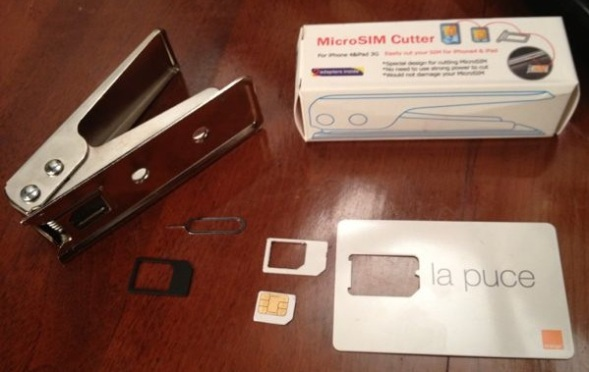 SIM clipper used to convert a mini-SIM (a Mobicarte from Orange Fr) to a micro-SIM
